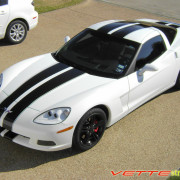 C6 Corvette white with black racing stripe 2