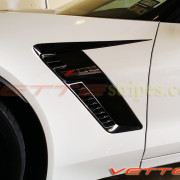C7 Corvette Z06 white with carbon flash side spear 5