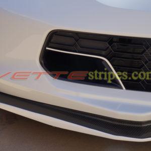 White C7 Z06 front brake scoop pinstripes